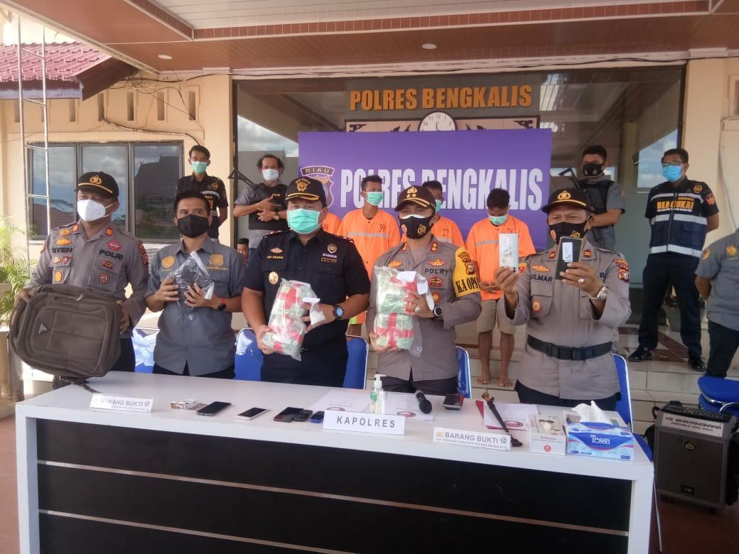 Polres dan Bea Cukai Bengkalis Tangkap Sabu-sabu 4 Kilogram dari Malaysia